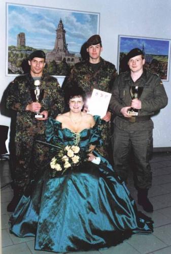 1998-Ball-im-Manschaftsheim (2)